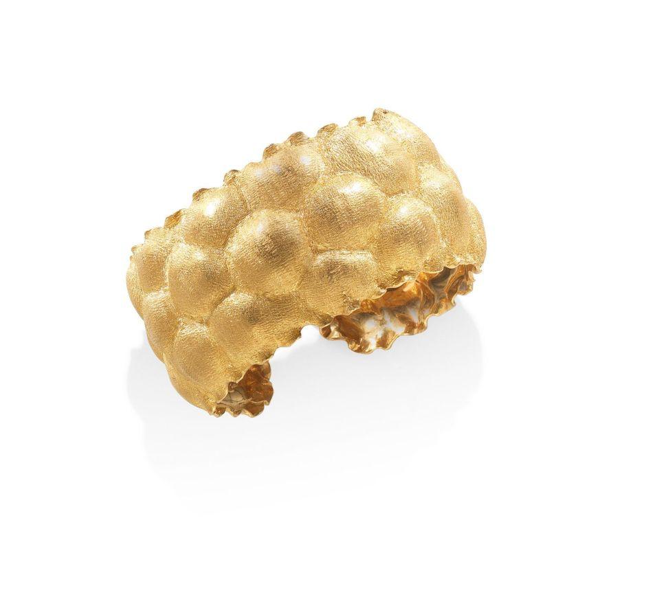 A 'bugnato' gold bangle, by Buccellati