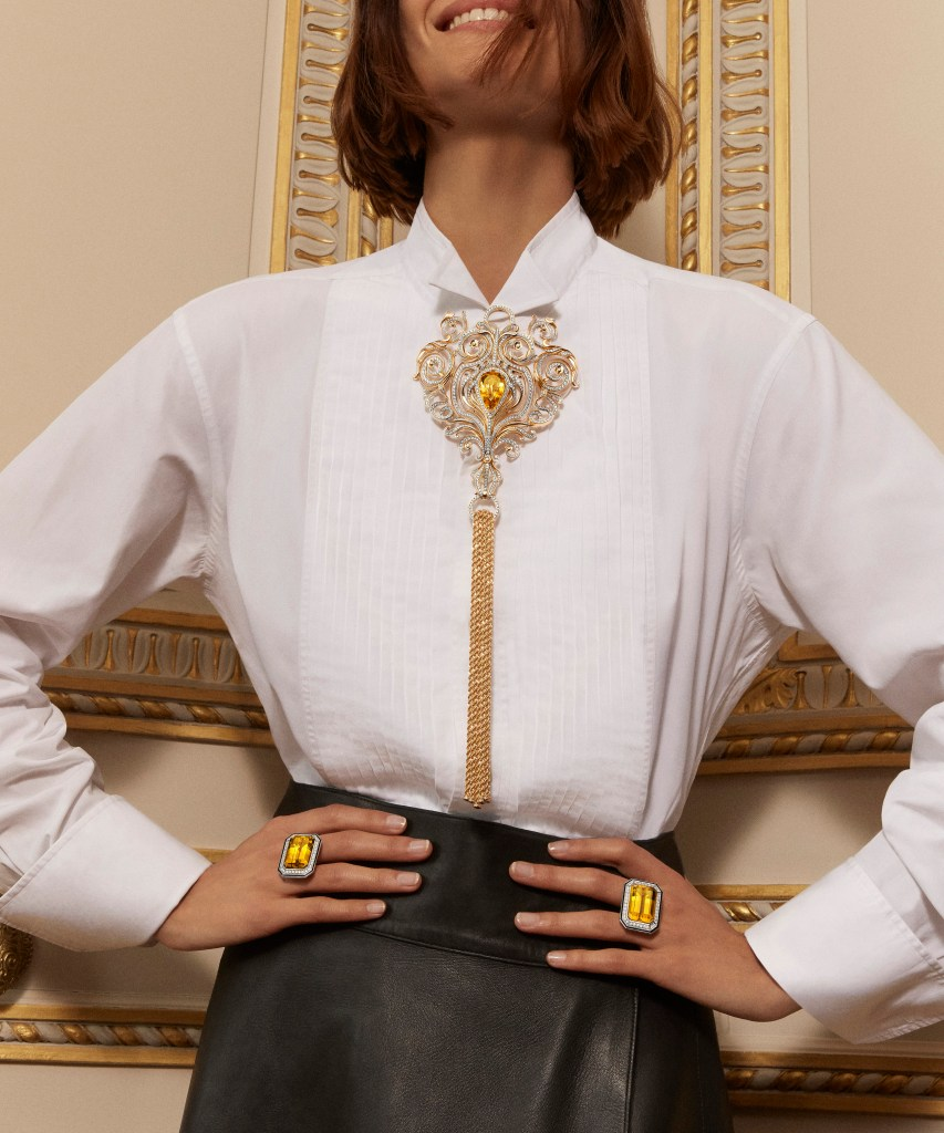 2019 HJ collection Paris, vu du 26 - Armoiries long necklace & Duo Taille Emeraude rings