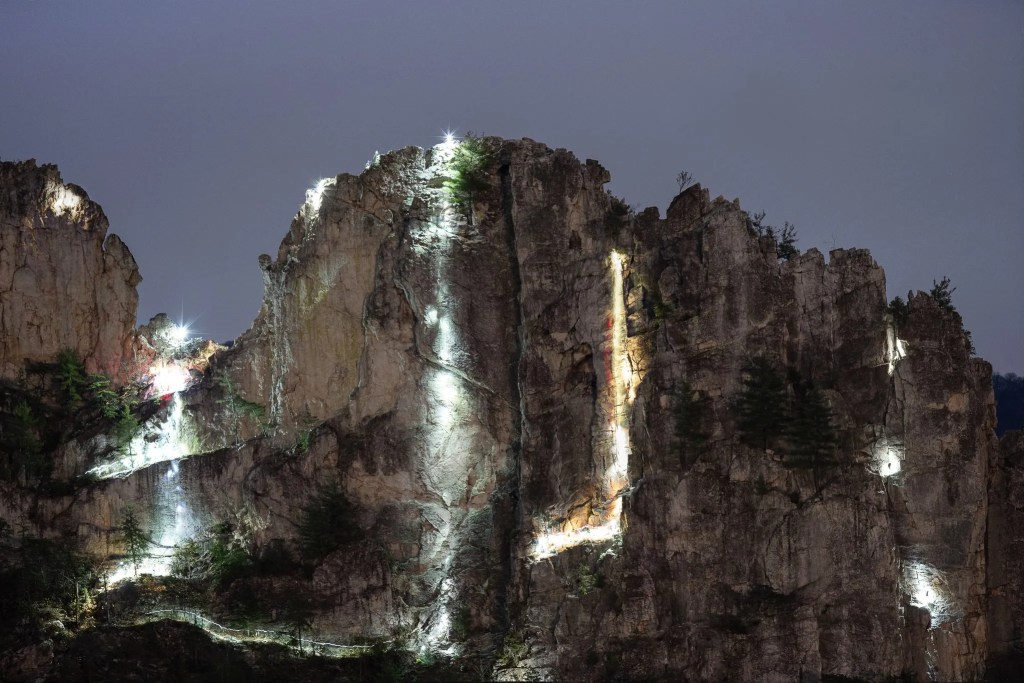 Seneca Rocks Highline: Rappellers