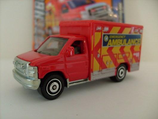 MB771 Ford E-350 Super Duty Ambulance