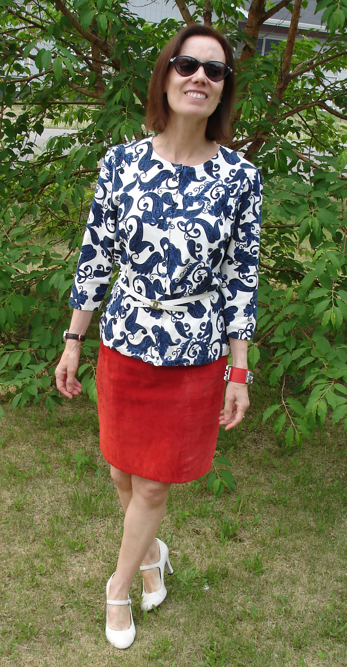 over 50 years old fashion blogger in red white and blue outfit