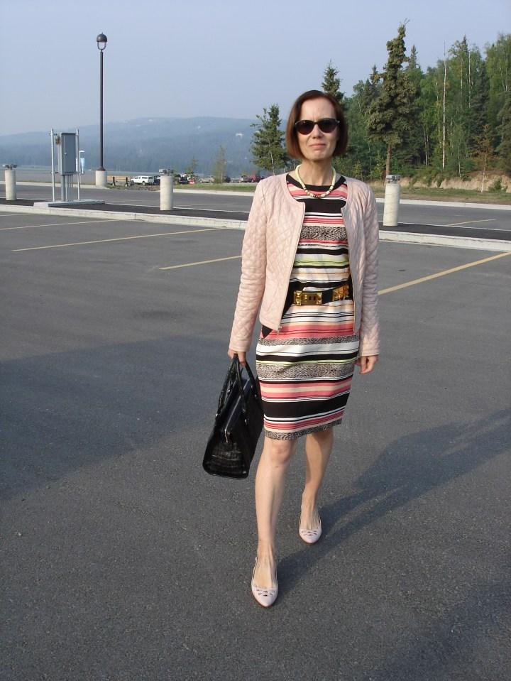 #fashionover50 woman in striped dress