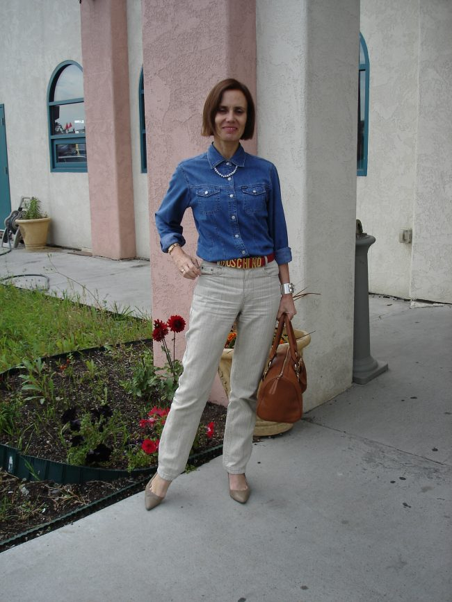 ashion blogger over 50 in linen and denim outfit