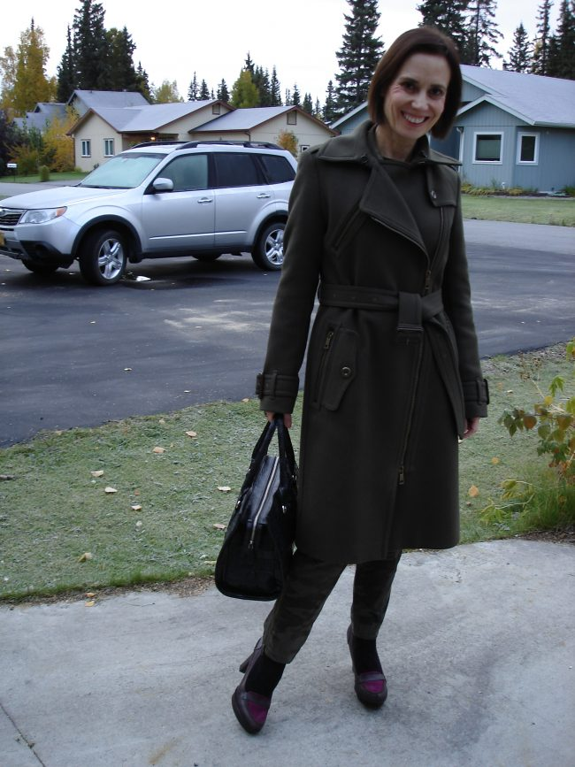influencer in camo and loden fall outfit