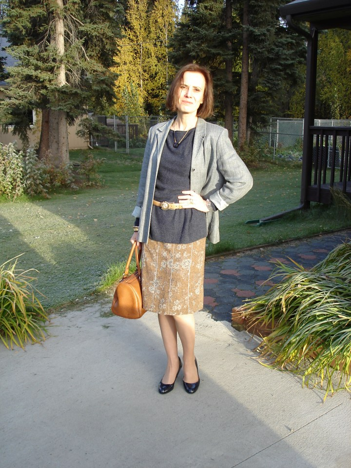 #officestyle over 50 old woman in tweed skirt with blazer as unmatched skirt/blazer set