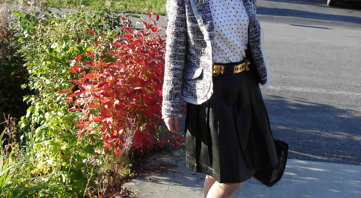 #over40and50fashion spring trend black and white outfit for work | High Latitude Style | http://www.highlatitudestyle.com