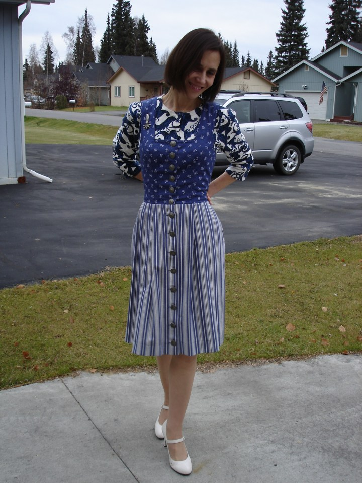 #styleover40 woman mixing floral print, stripes and paisley in one outfit