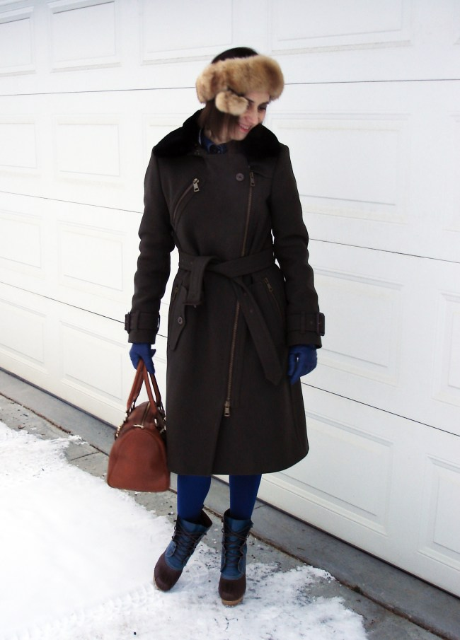 posh chic winter outfit for midlife women