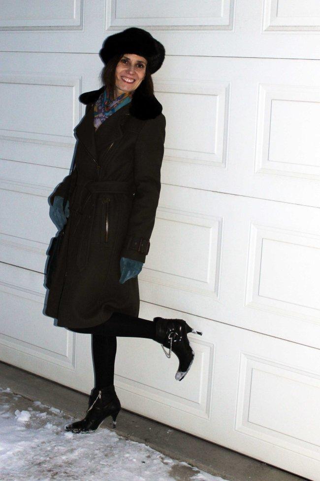 #midlifestyle older woman wearing street chic
