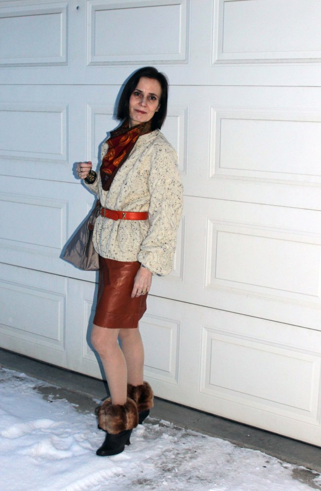Mature woman wearing street style