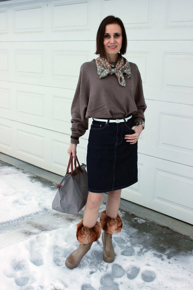 midlife woman in casual look