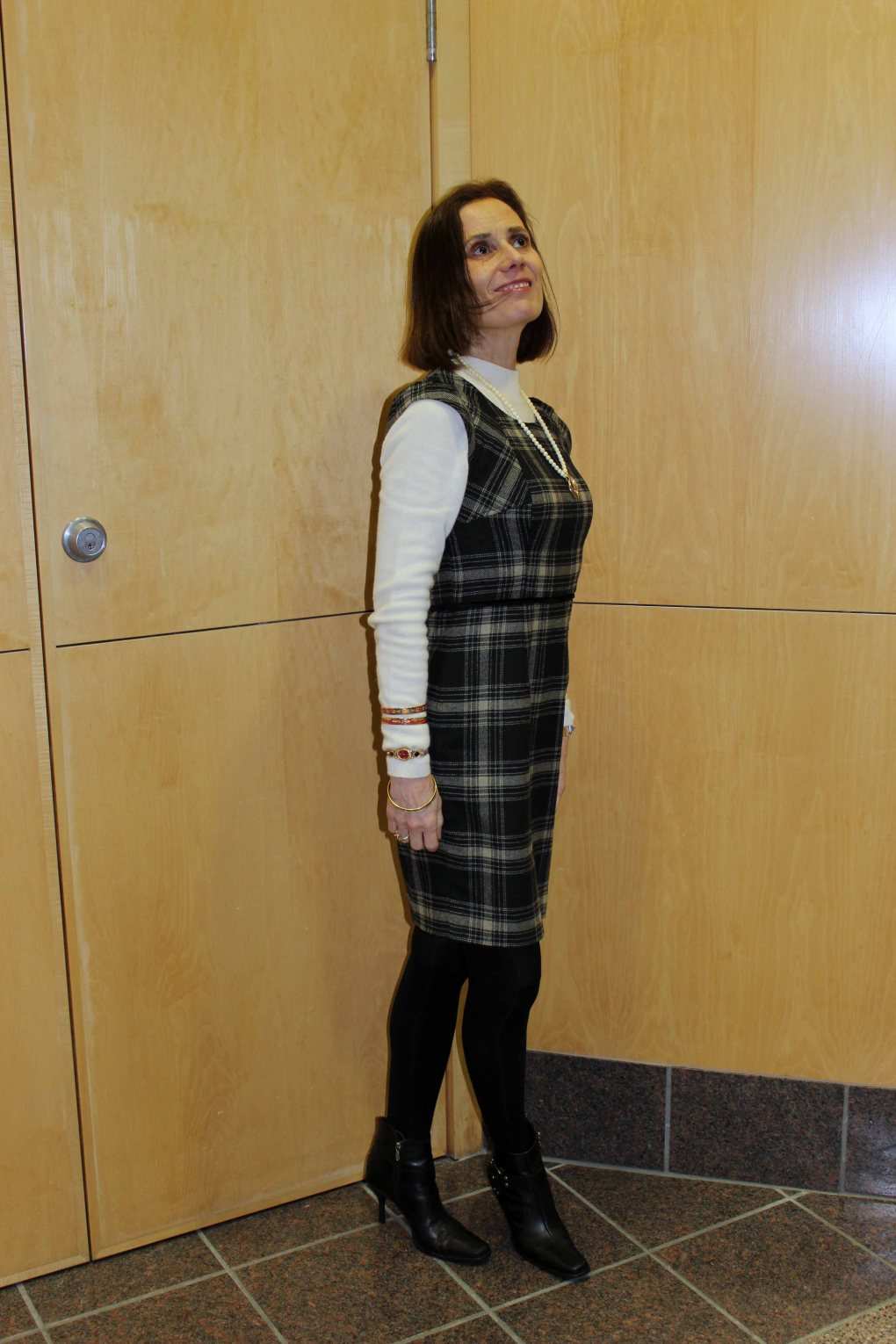 #fashionover40 woman in an office outfit conisting of second hand items