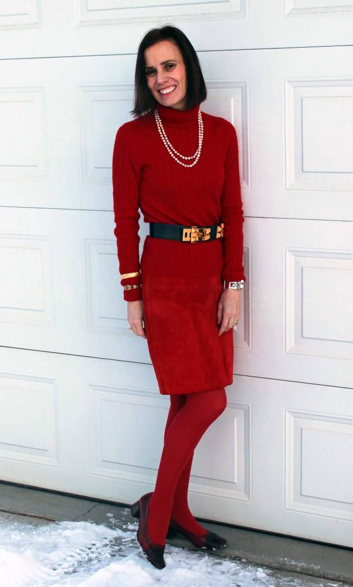 #festivestyle Blogger in ageless office party look