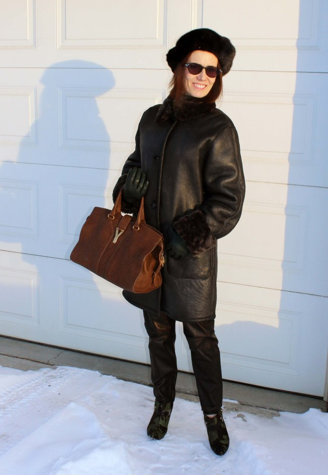 #tyle blogger over 50 in winter outerwear with jogging pants