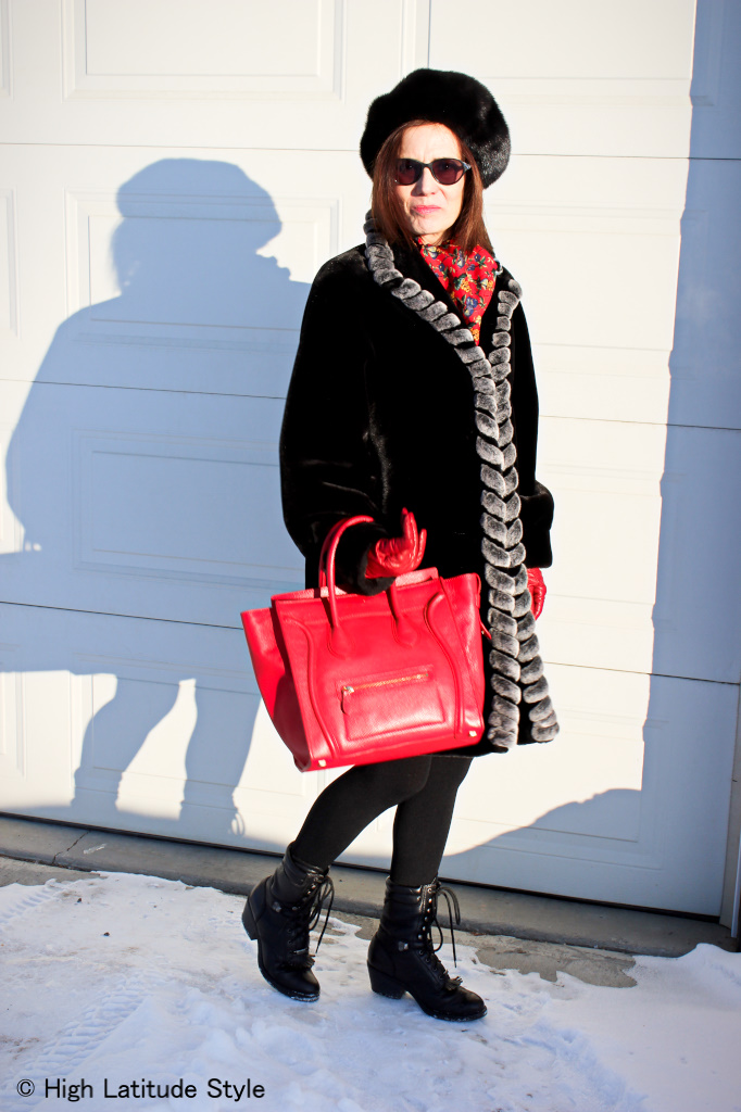 #fashionover50 Alaskan blogger in spring outerwear outfit with hints of huntergreen