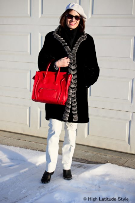 Black and white spring outfit for an Alaskan woman