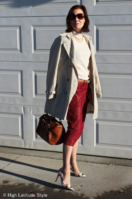 Classic outfit with cropped pants, trench coat