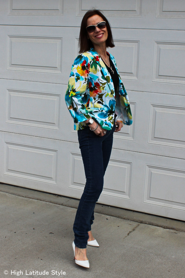 #fashionover40 midlife woman looking posh in a floral Blazer
