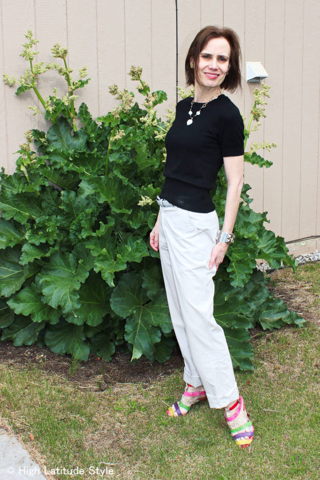 #midlifefashion style blogger in chinos with necklace