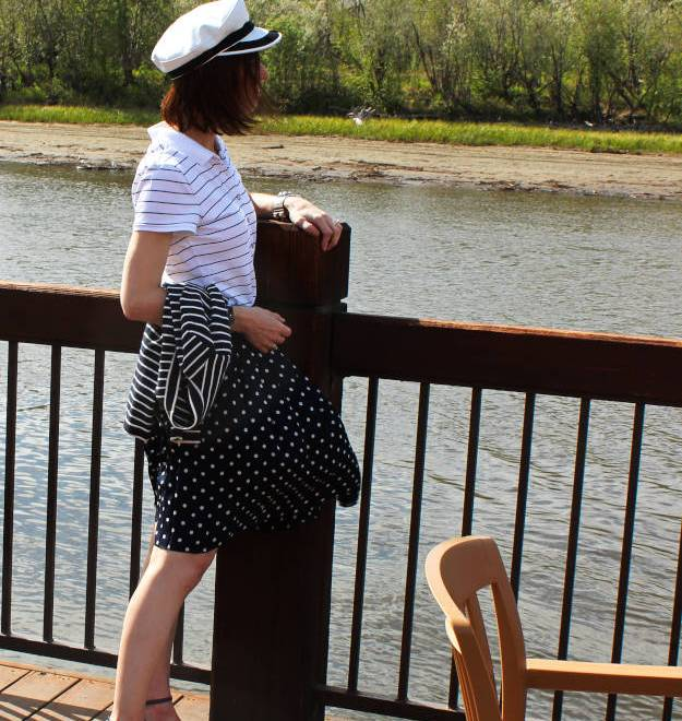 #styleover50 mature picnic outfit with skirt