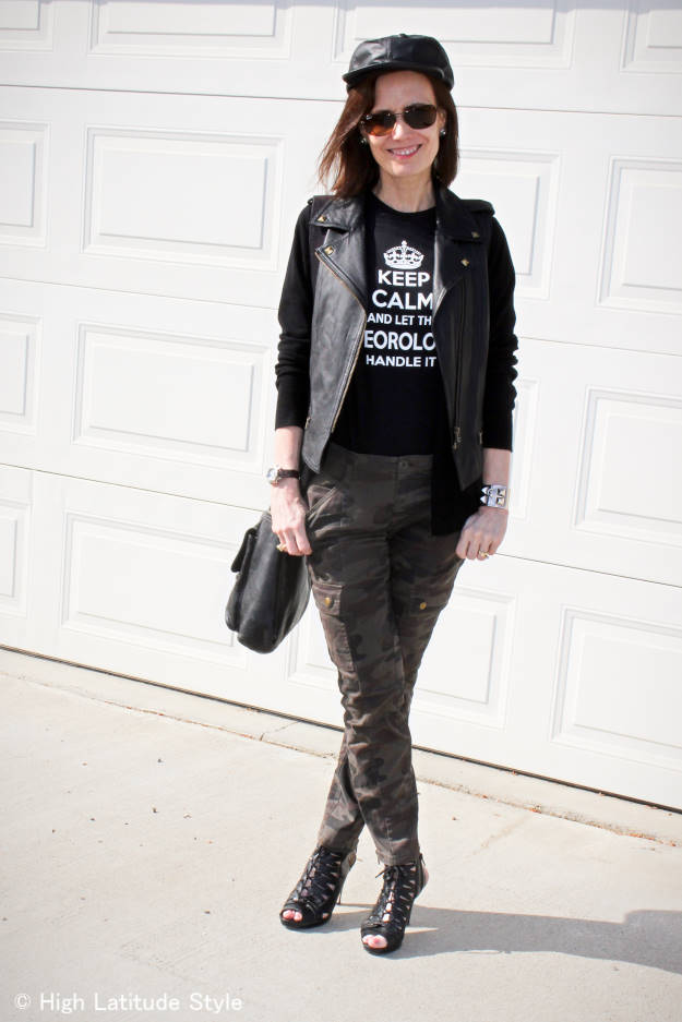 midlife woman in outdoor concert Rock-inspired look