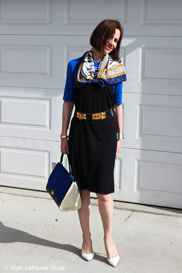 style blogger in a Ronen Chen jersey dress with pearls and scarf