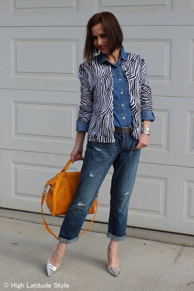 #fashionover40 woman in distressed bf jeans