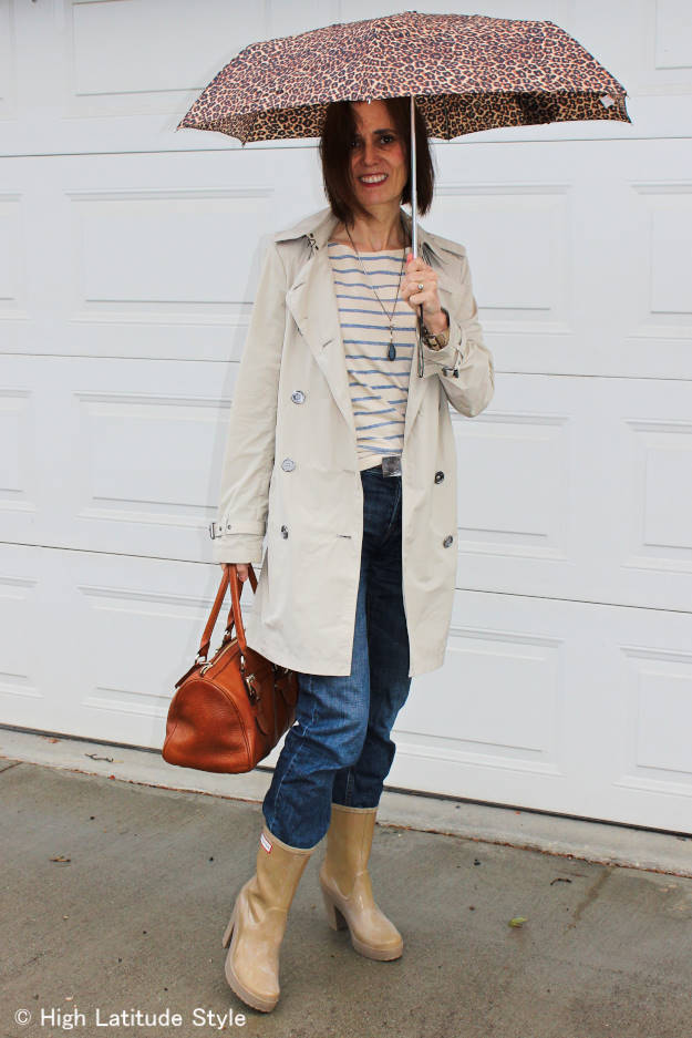 #MarineLayer #fashionover50 striped T-shirt with trench coat and boyfriend jeans