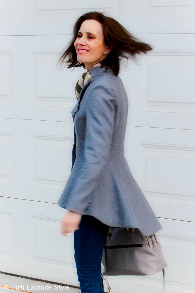 #fashionover50 woman in fit-and-flare blazer styled with skinnies