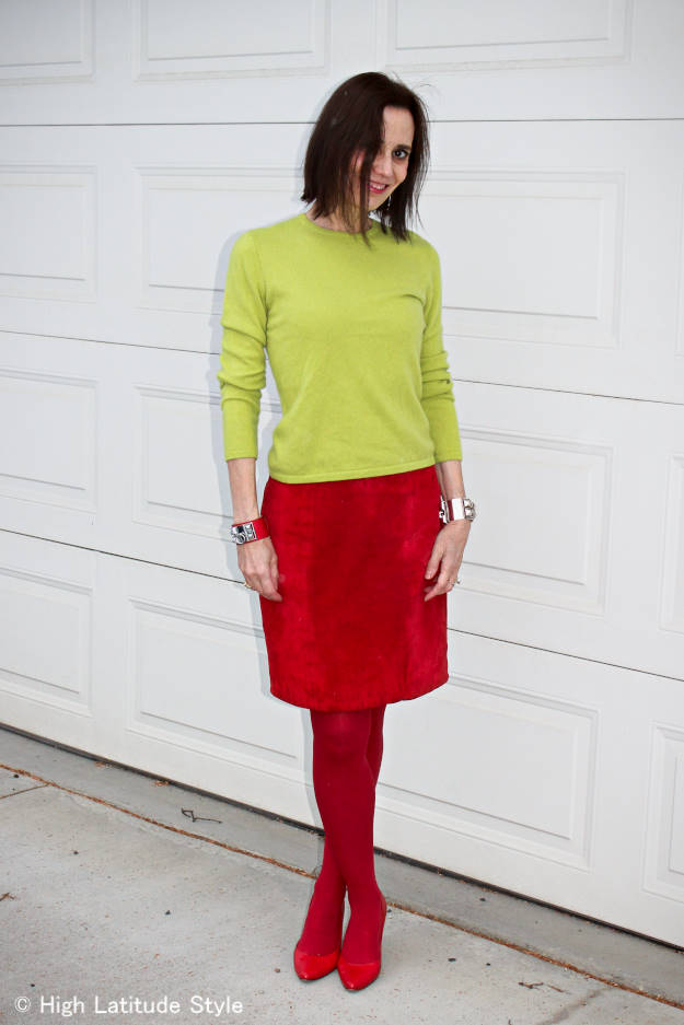 mature woman wearing colorblocks