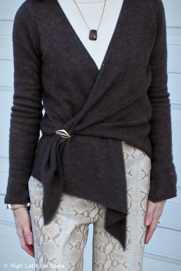 #accessories brooch used to close a cardigan