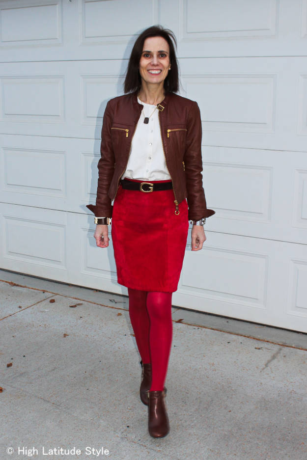 over40fashion woman in leather on leather
