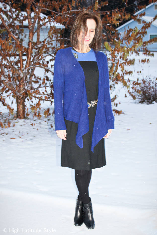 #over40fashion fashion blogger Nicole looking youthful in a winterized summer pieces work outfit