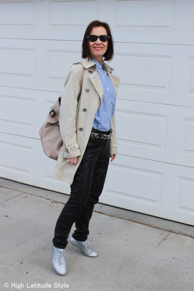 #styleover40 mature woman in street style look