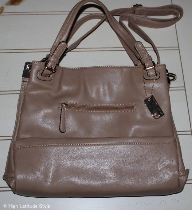 #RobertMatthew backside of Emily shoulder tote for review