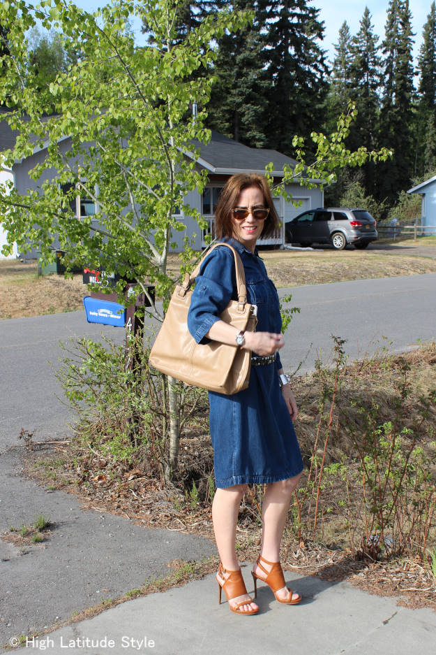 #RobertMatthew Emily shoulder tote carried on its double handles
