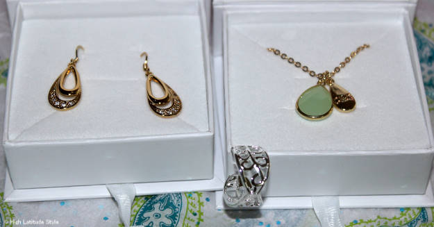 #CateandChloe earring, pendant necklace and adjustable ring c/o Cate & Chloe