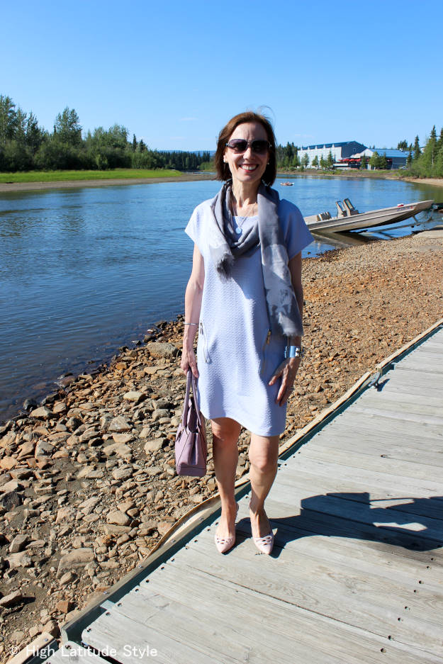#IndieHicks Nicole of High Latitude Style styling an India Hicks Siren scarf