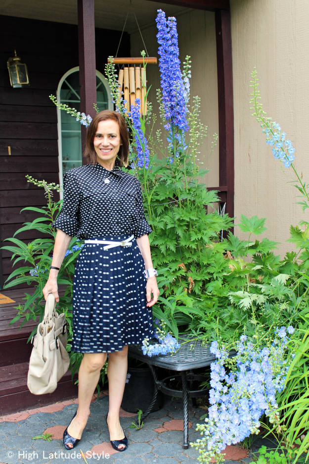 #agelessstyle mature woman showing how to mix prints/patter to look stylish