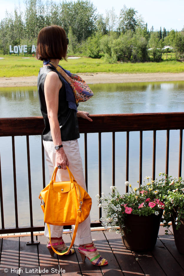 #fashionover50 older woman in casual summer outfit