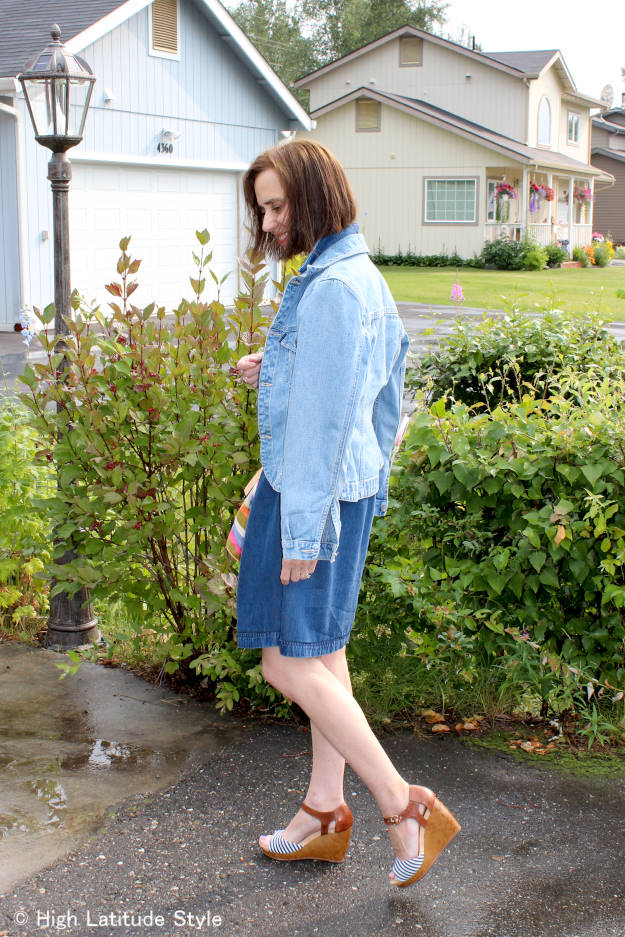 fashion blogger in posh casual denim dress and jacket work outfit