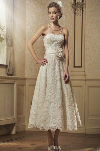 #AisleStyle bride dress