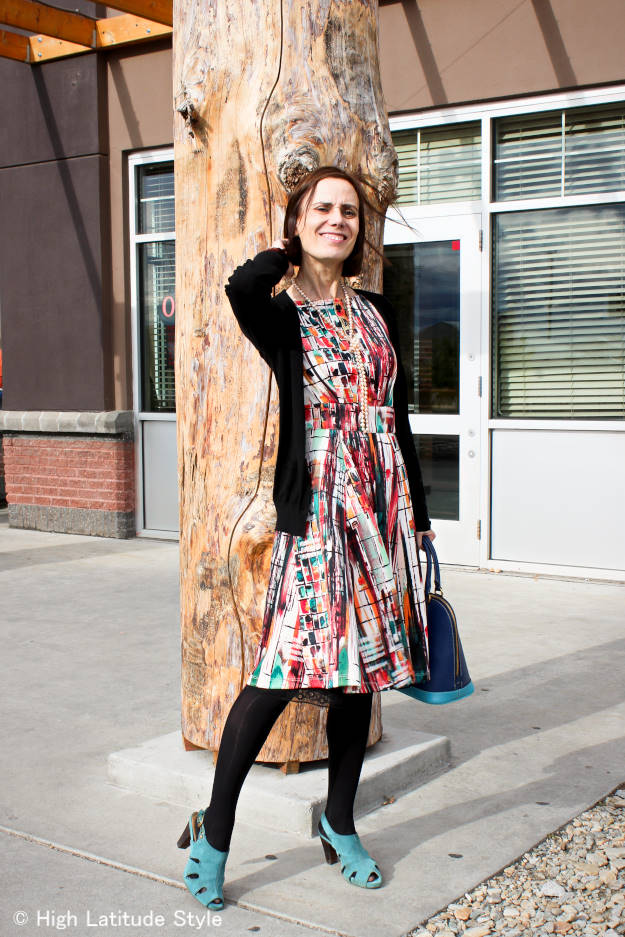 #fashionover50 over 50 year old blogger Nicole in summer to fall outfit