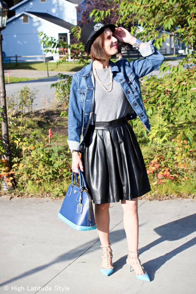 midlife woman wearing Fairbanks street style