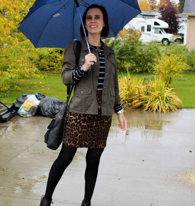 #fashionover40 mature woman in utility jacket and leopard print skirt