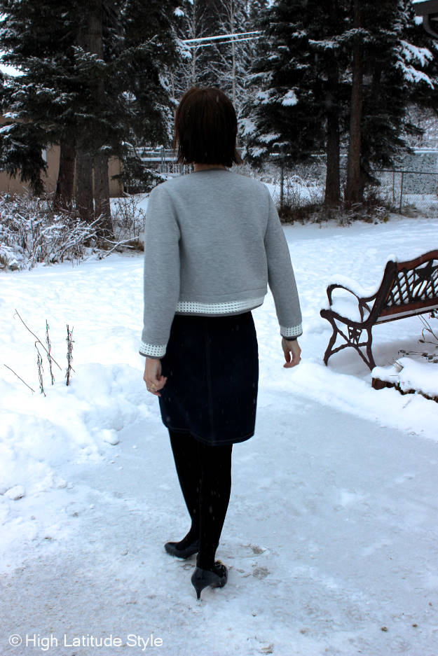 fashion over 40 gray and blue work look