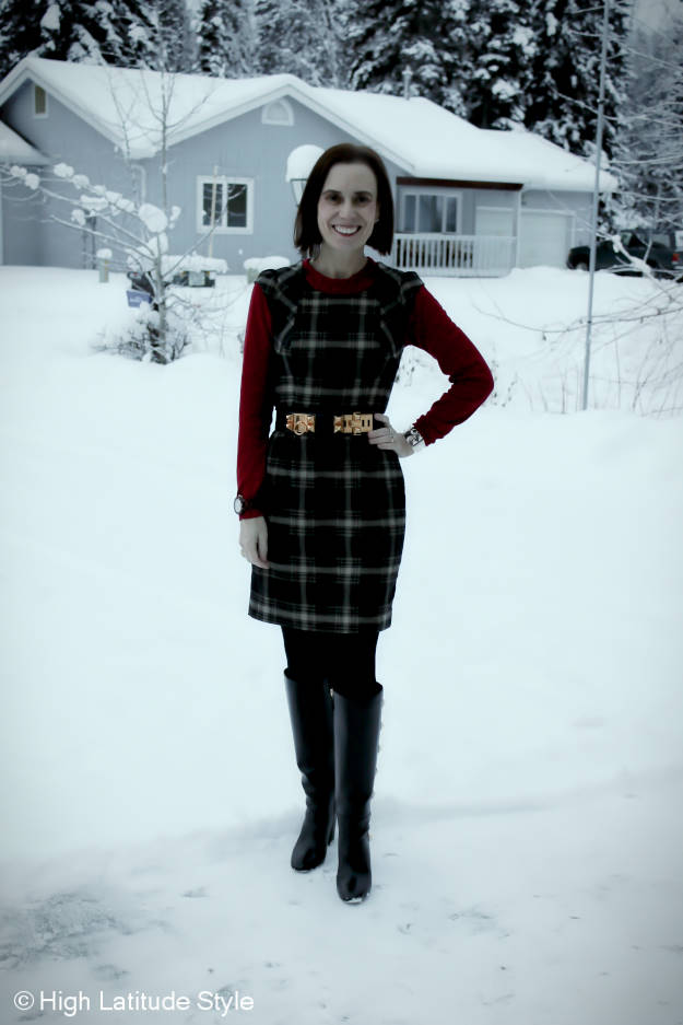 #fashionover40 woman in sheath dress House hunting