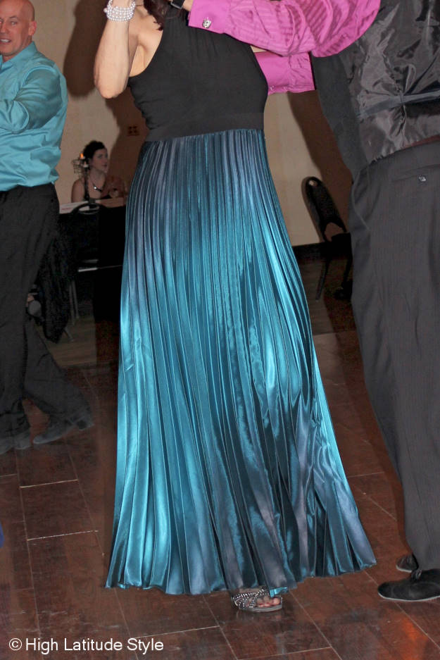 #over50fashion gown changing its colors with every movement