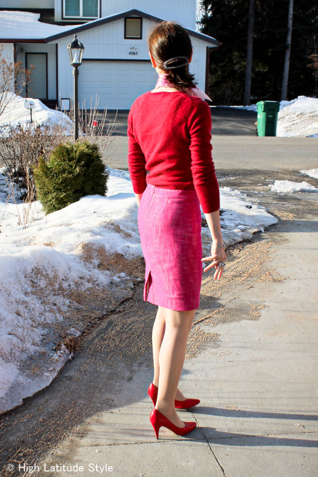 style blogger over 50 in show stopping winter to spring transition work outfit