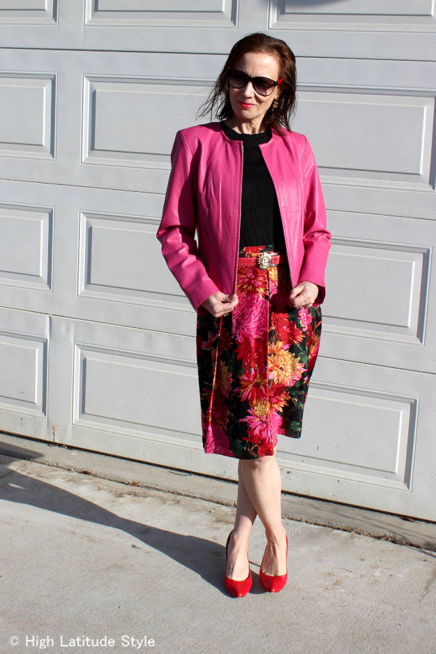 #fashionover40 woman wearing a spring outfit